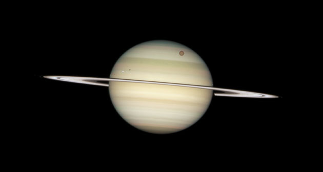 hubble images of saturn - photo #42